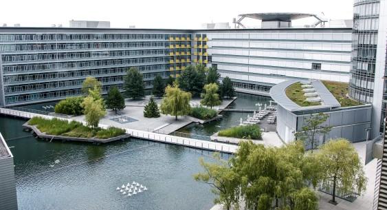 https://www.nuernberger.de/medien/img/ueber-uns/563x305/atrium-business-tower.png